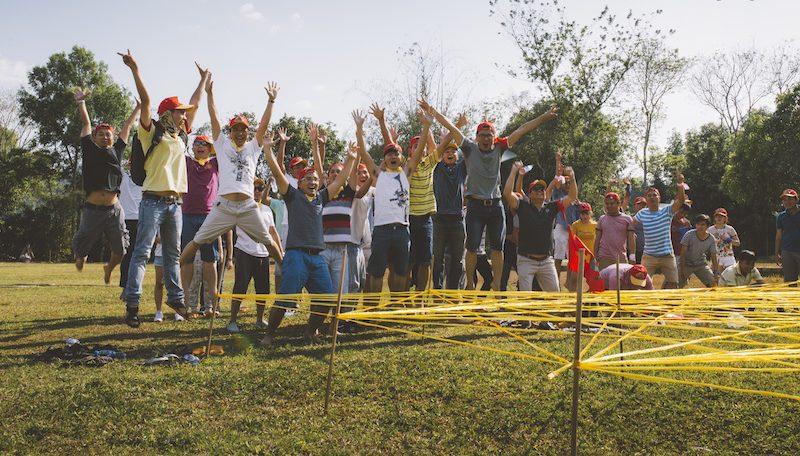13. Hướng dẫn tổ chức team building kết hợp lửa trại1